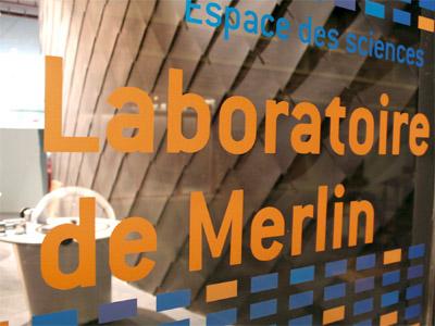 le laboratoire de merlin espace des sciences. Black Bedroom Furniture Sets. Home Design Ideas